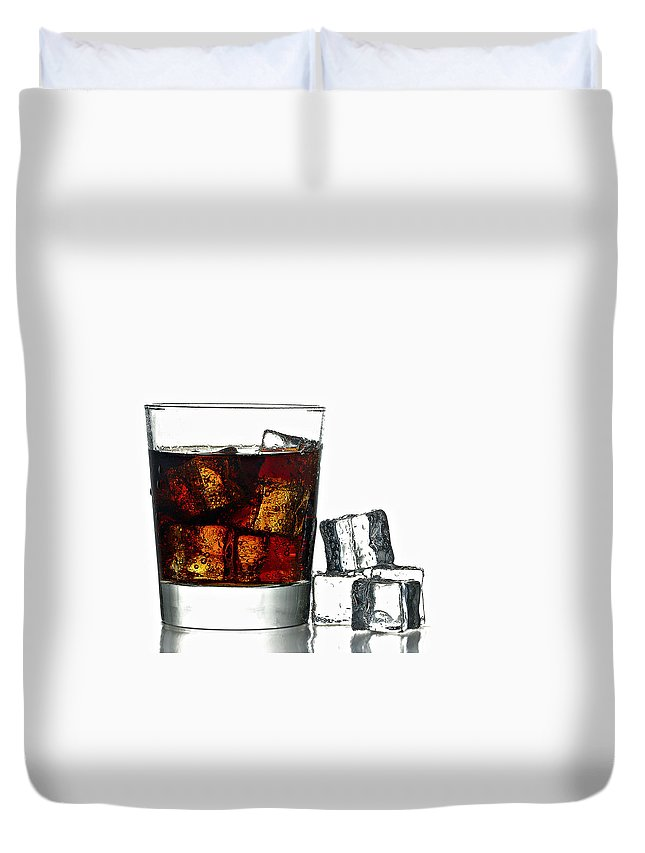 Background Duvet Cover featuring the photograph Refreshment by Gert Lavsen