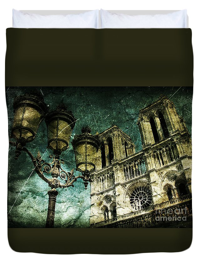 Architecture Duvet Cover featuring the photograph Reinvented History by Andrew Paranavitana