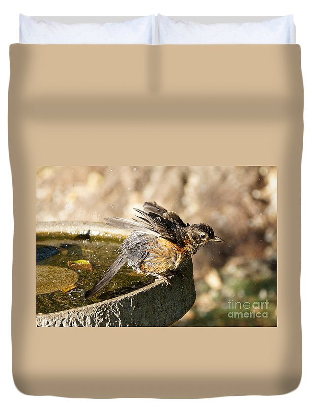 Robin Duvet Cover featuring the photograph Robin Shaking Water Off by Lori Tordsen