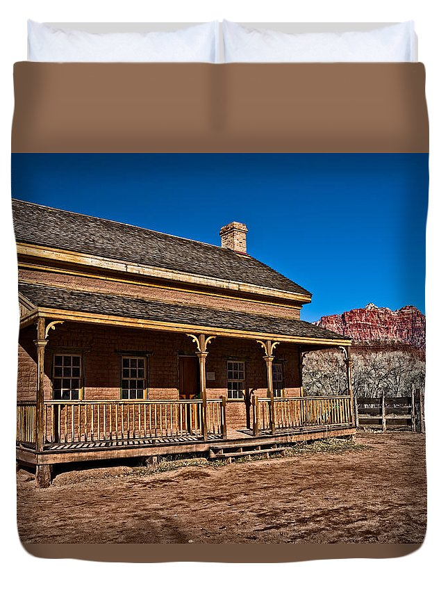 Structure Duvet Cover featuring the photograph Russell Home by Christopher Holmes