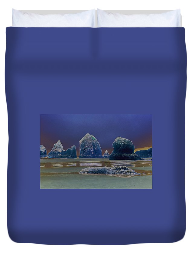 Water Duvet Cover featuring the photograph Sea Stacks On The Oregon Coast by One Rude Dawg Orcutt