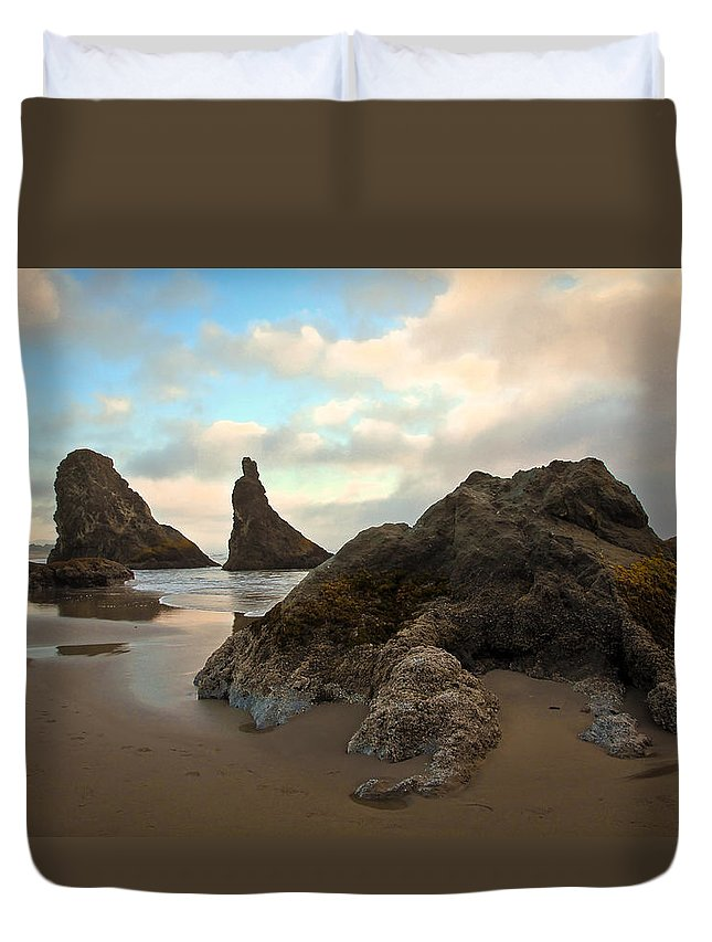 Beach Duvet Cover featuring the photograph Seal Rock Oregon by Steve McKinzie