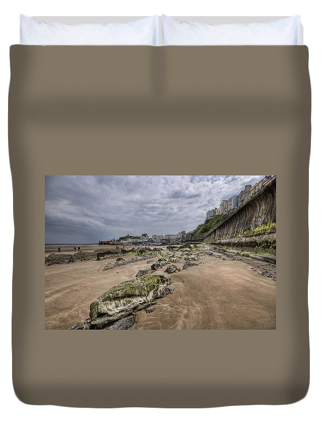 Tenby Harbour Duvet Cover featuring the photograph Seaweed Rocks Tenby by Steve Purnell