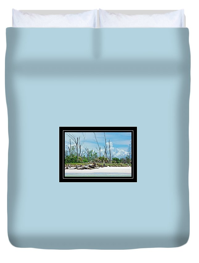 Secluded Beach Duvet Cover featuring the photograph Secluded Beach by Carolyn Marshall