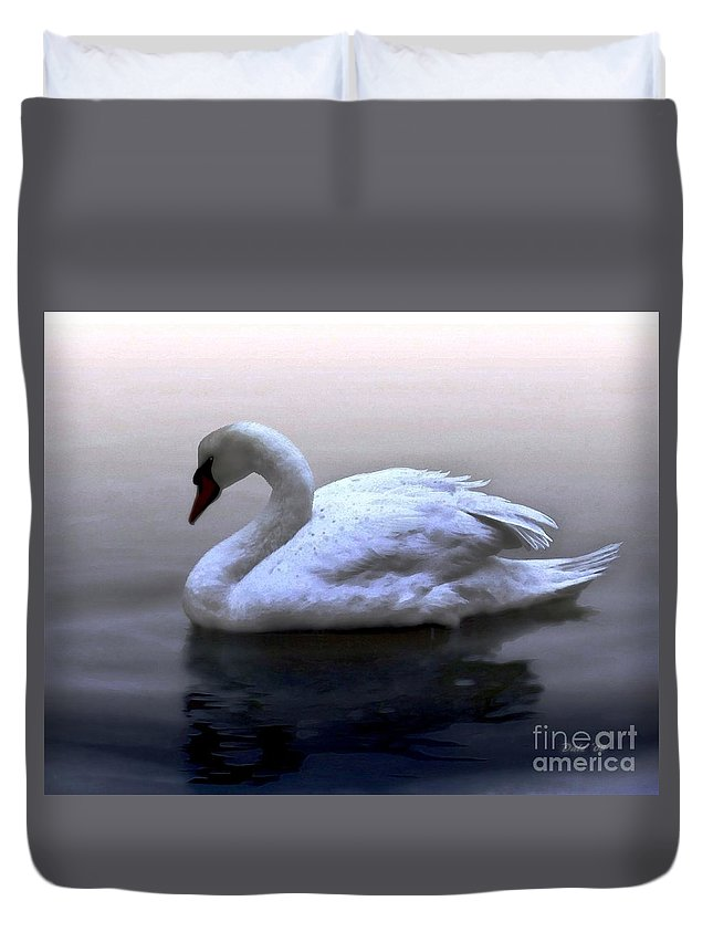 Seabirds Duvet Cover featuring the digital art Serenity by Dale  Ford