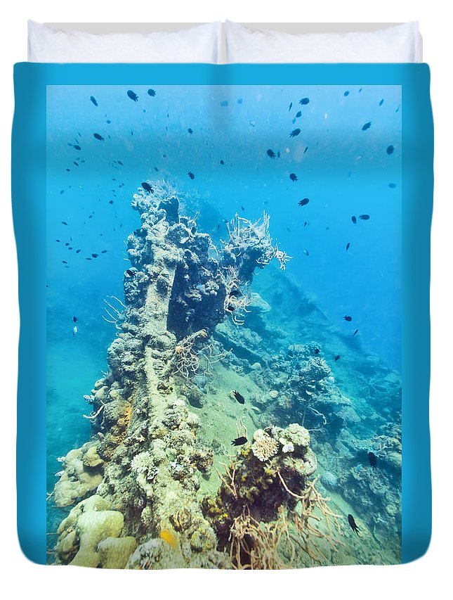Wreck Duvet Cover featuring the photograph Shipwreck by MotHaiBaPhoto Prints