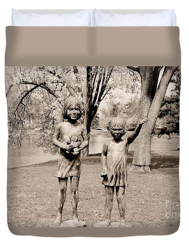 Monument Duvet Cover featuring the photograph Sisters by Kathleen Struckle