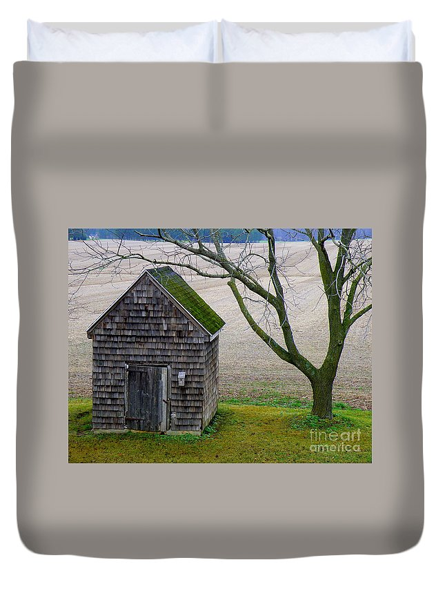 Farm Duvet Cover featuring the photograph Smoke House by Lainie Wrightson