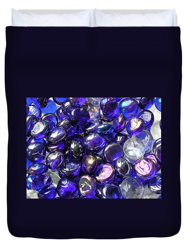 2d Duvet Cover featuring the photograph Smooth Stones by Brian Wallace