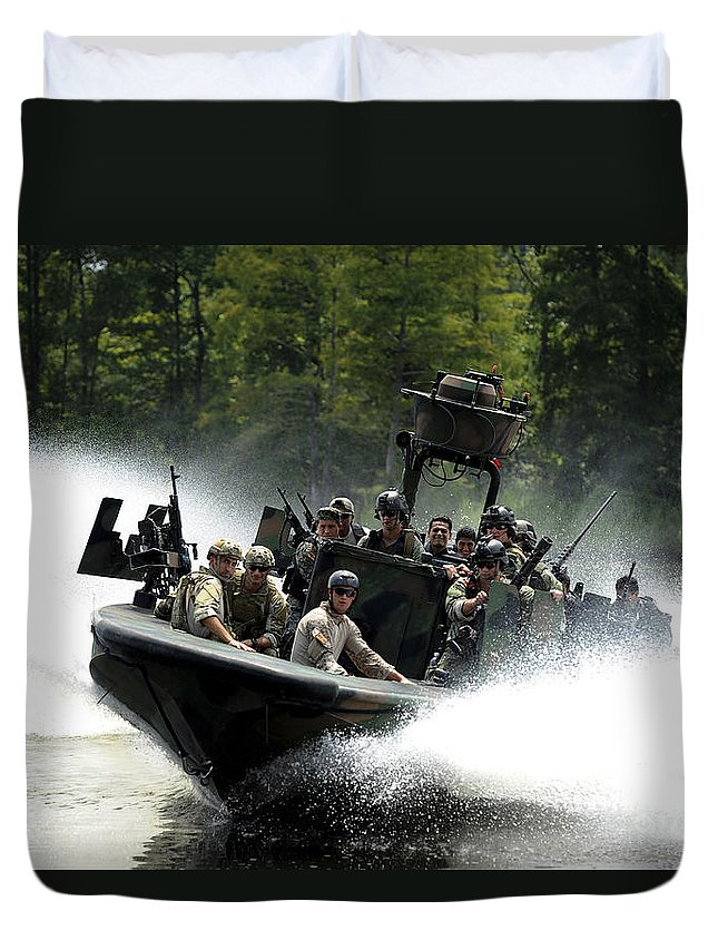 Panamax 2011 Duvet Cover featuring the photograph Special Forces In A High-speed Combat by Stocktrek Images