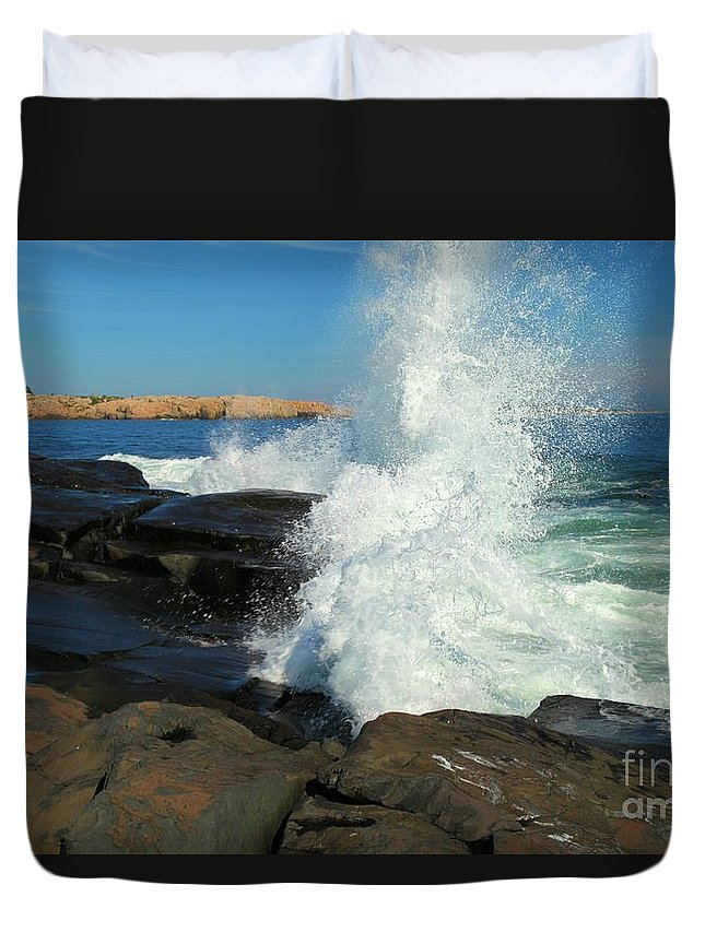 Acadia National Park Duvet Cover featuring the photograph Splash by Adam Jewell