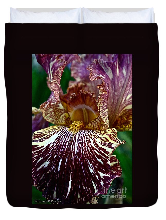 Plant Duvet Cover featuring the photograph Splashed Iris by Susan Herber