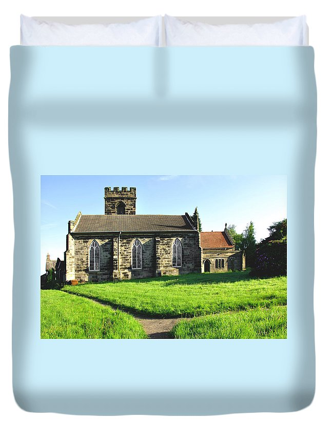Derbyshire Duvet Cover featuring the photograph St Peter's Church - Hartshorne by Rod Johnson