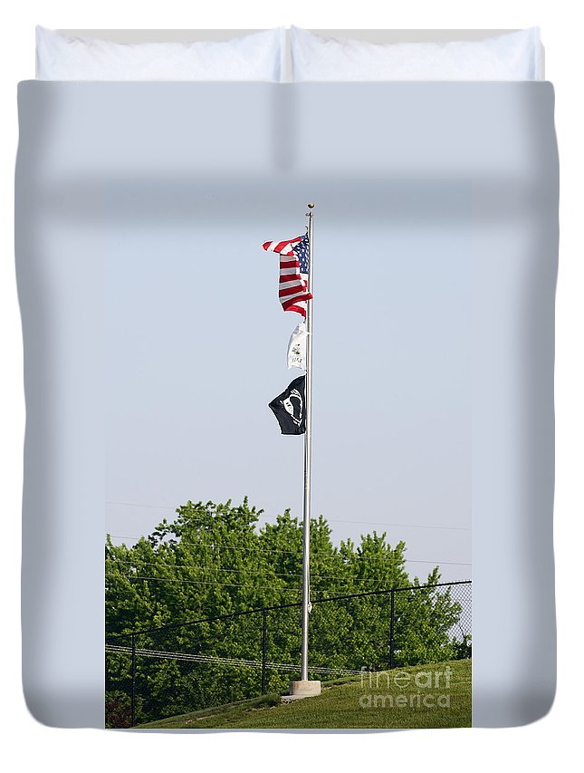 4th Duvet Cover featuring the photograph Standing Proud by Alan Look
