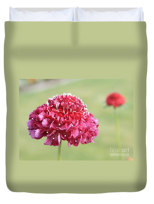 Flower Duvet Cover featuring the photograph Standout by Carol Groenen