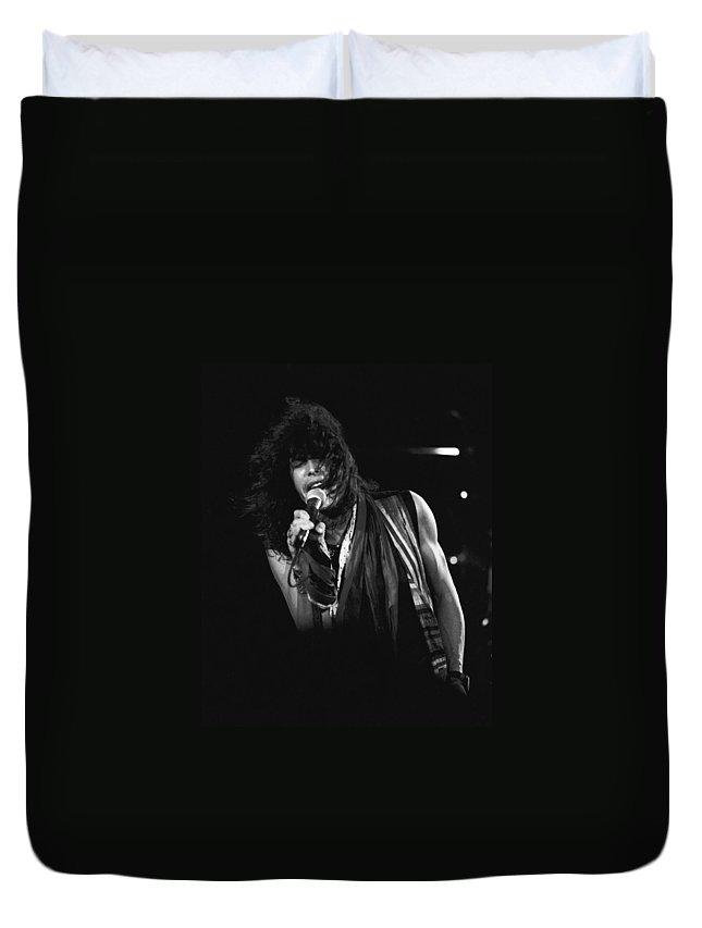 Aerosmith Duvet Cover featuring the photograph Steven In Spokane 5 by Ben Upham