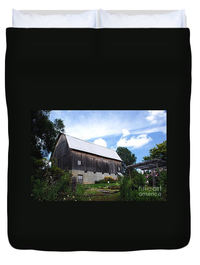Stone Cottage Duvet Cover featuring the photograph Stone Cottage Barn by Grace Grogan
