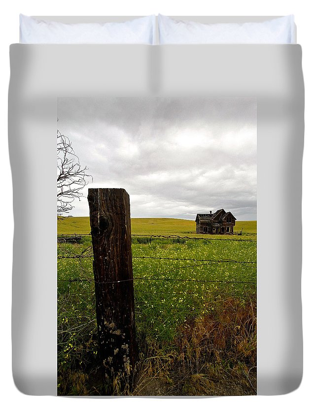 Fence Line Duvet Cover featuring the photograph Storm On The Rage by Steve McKinzie