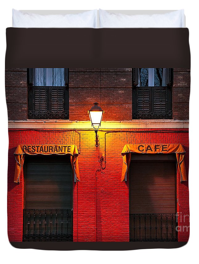 Madrid Duvet Cover featuring the photograph Street Lamp Cafe by John Greim