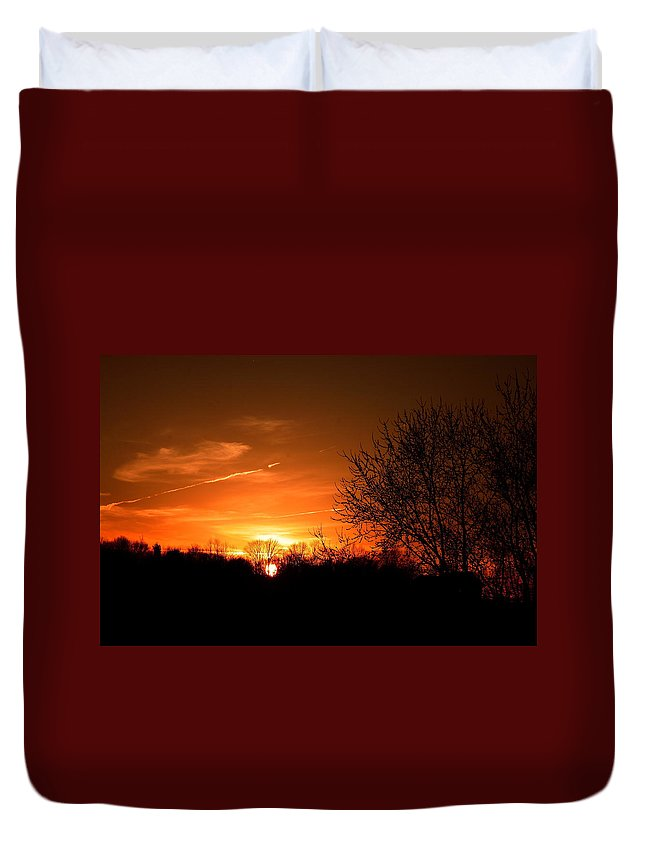 Sunset Duvet Cover featuring the photograph Sun Down by Neal Eslinger