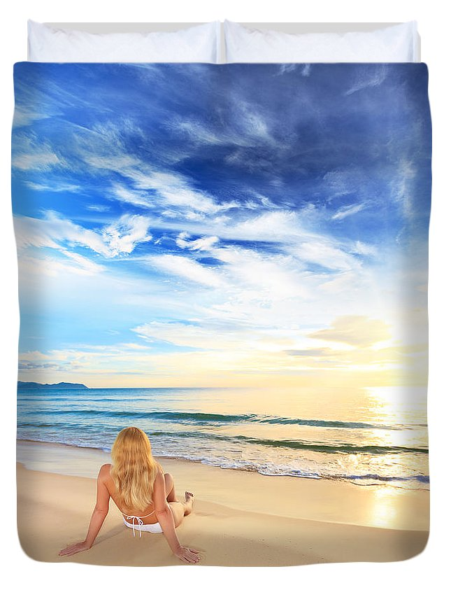 Girl Duvet Cover featuring the photograph Sunbathing At Sunrise by MotHaiBaPhoto Prints