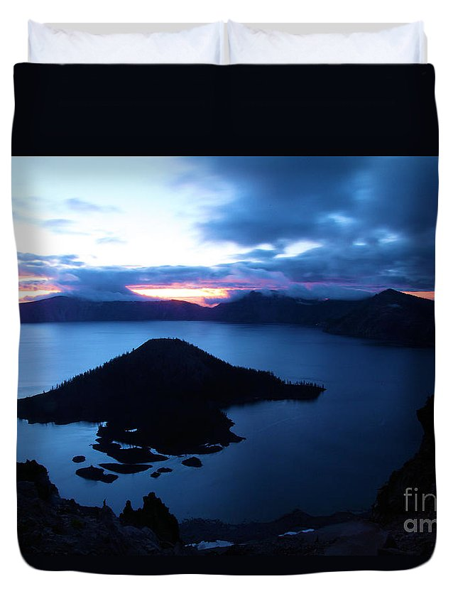 Crater Lake National Park Duvet Cover featuring the photograph Sunrise At The Crater by Adam Jewell