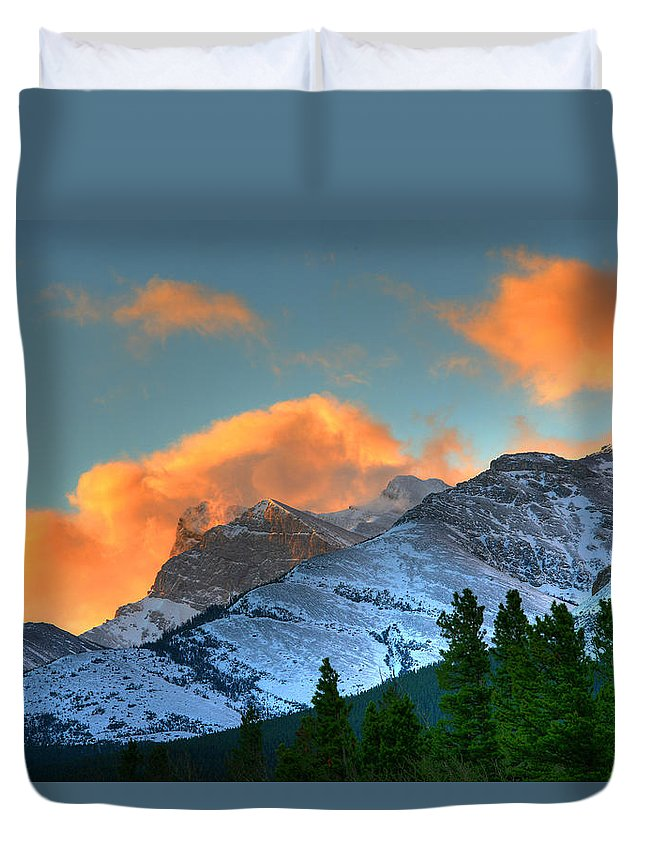Light Duvet Cover featuring the photograph Sunrise Over Crowsnest Pass, Border by Robert Postma