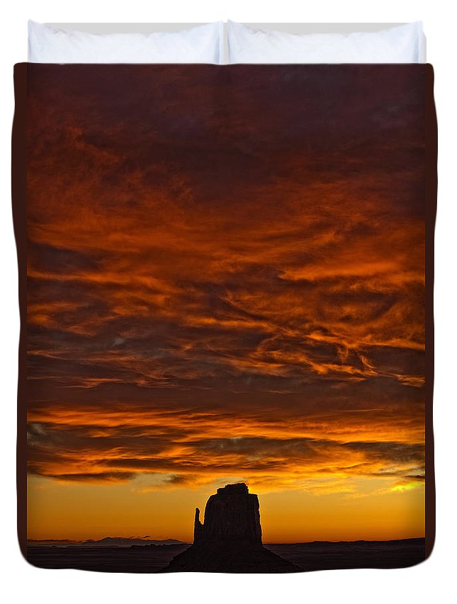 Light Duvet Cover featuring the photograph Sunrise Over Monument Valley, Arizona by Robert Postma