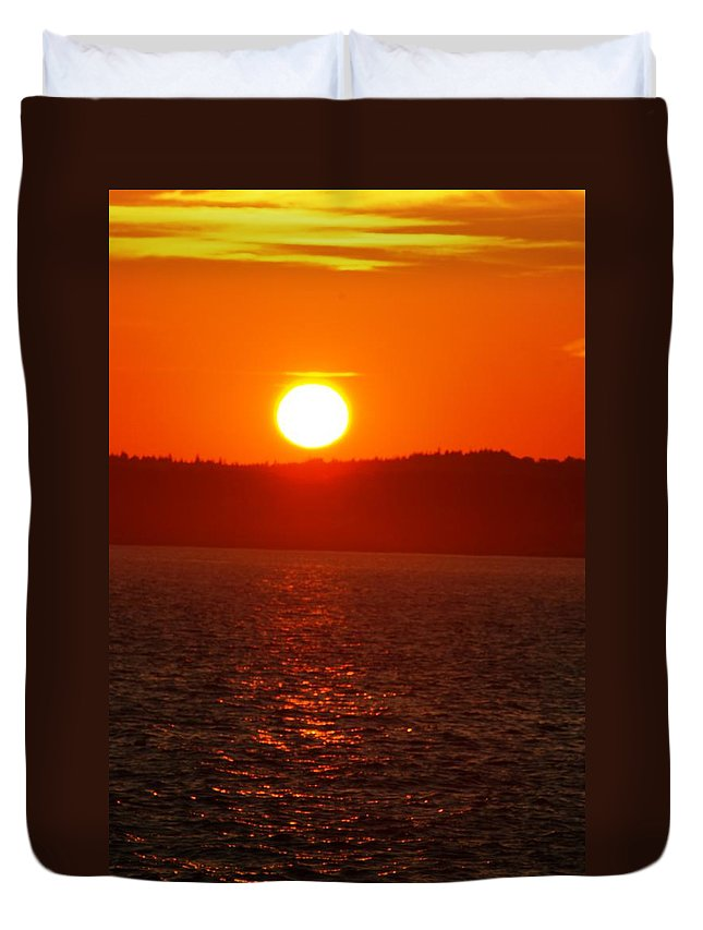 Sunset Duvet Cover featuring the photograph Sunset II by Joe Faherty