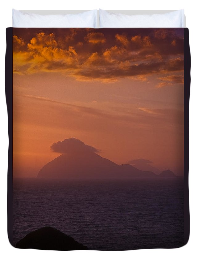 Clouds Duvet Cover featuring the photograph Sunset Iv by Michele Mule'