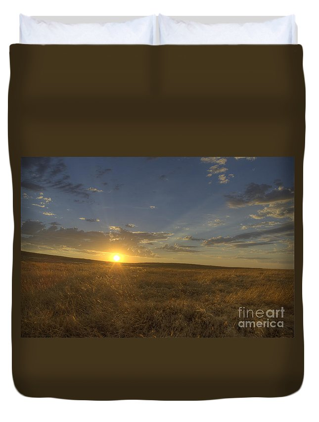 Sunset Duvet Cover featuring the photograph Sunset On The Prairie by Jim And Emily Bush