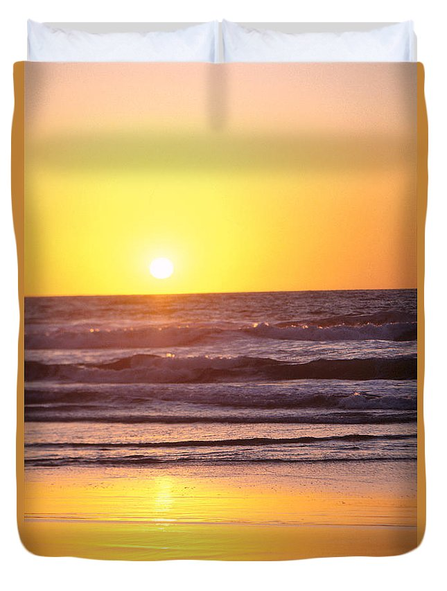 Beach Duvet Cover featuring the photograph Sunset Over Ocean by Bill Schildge - Printscapes