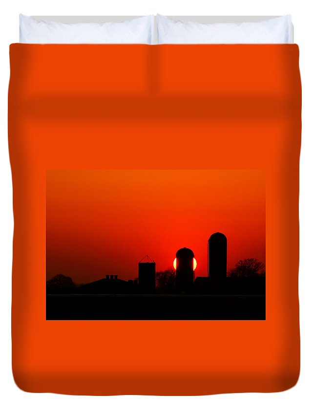 Silo Duvet Cover featuring the photograph Sunset Silo by Cale Best