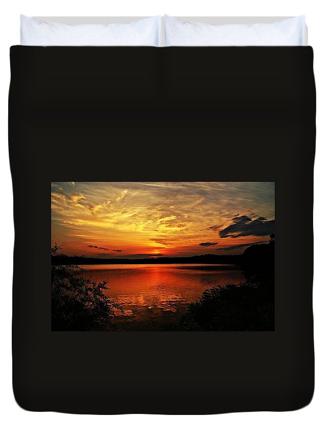 Sunrise Duvet Cover featuring the photograph Sunset Xxv by Joe Faherty