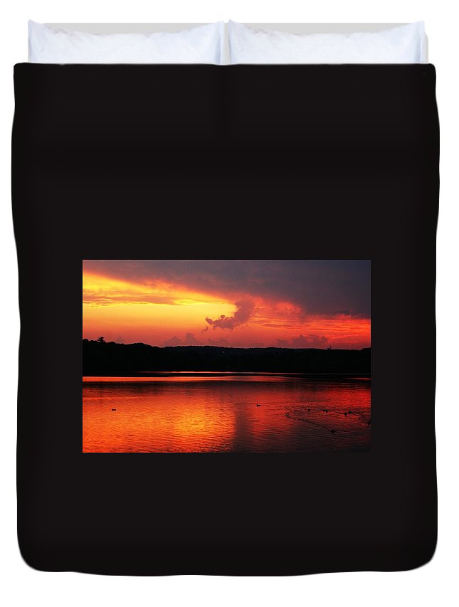 Sunrise Duvet Cover featuring the photograph Sunset Xxxii by Joe Faherty