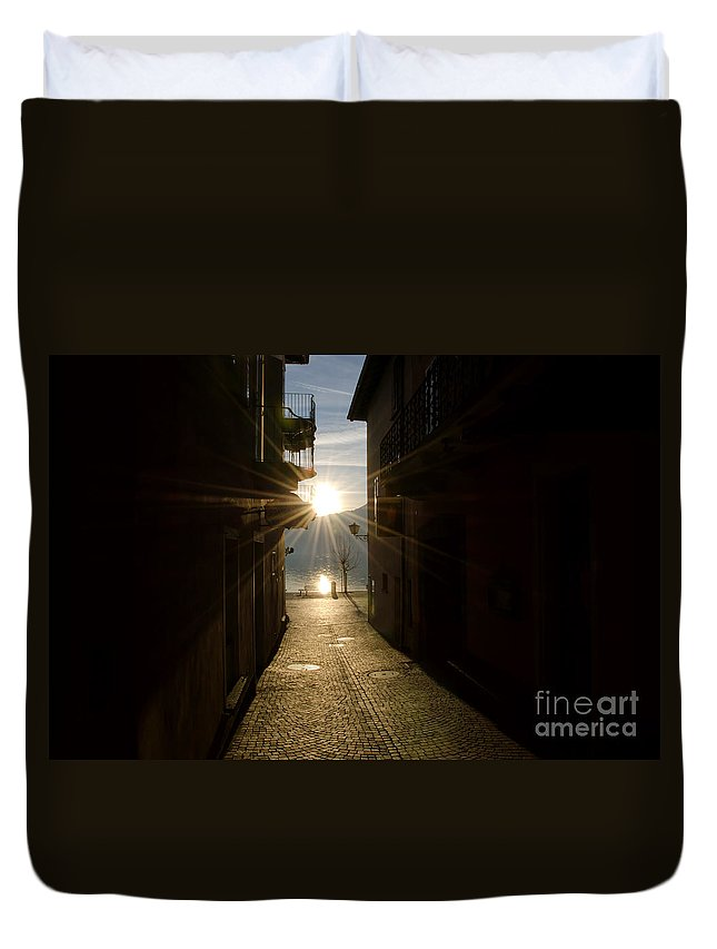 Alley Duvet Cover featuring the photograph Sunshine In An Alley by Mats Silvan