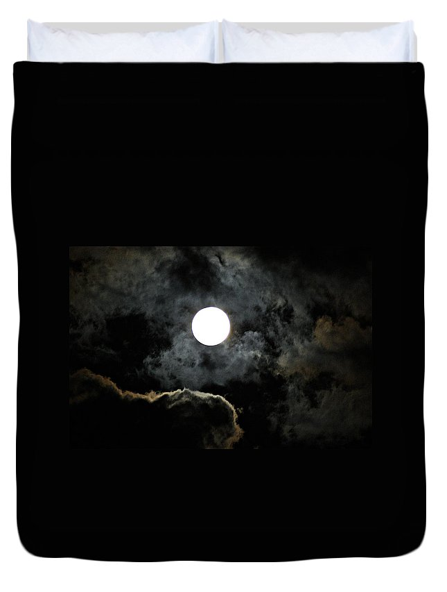 Super Duvet Cover featuring the photograph Super Moon II by Joe Faherty