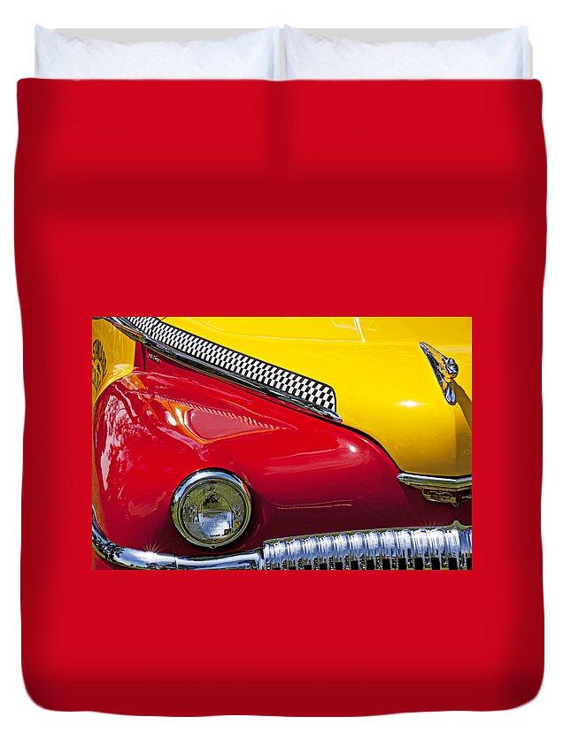 Taxi Duvet Cover featuring the photograph Taxi De Soto by Garry Gay