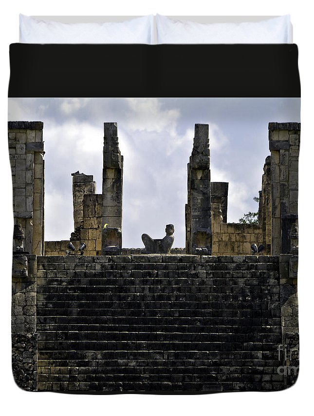 Chichen Itza Duvet Cover featuring the photograph Temple Of The Warriors by Ken Frischkorn