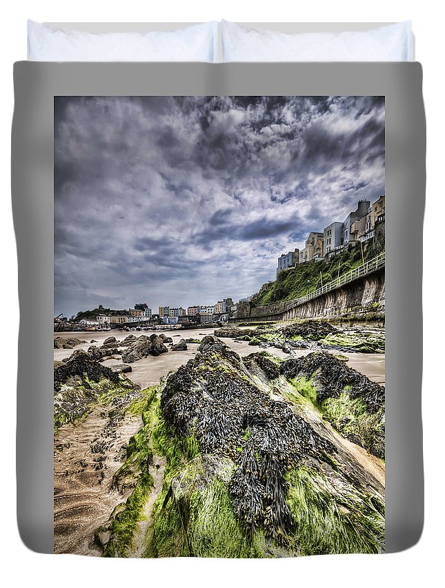 Tenby Pembrokeshire Duvet Cover featuring the photograph Tenby Rocks 4 by Steve Purnell