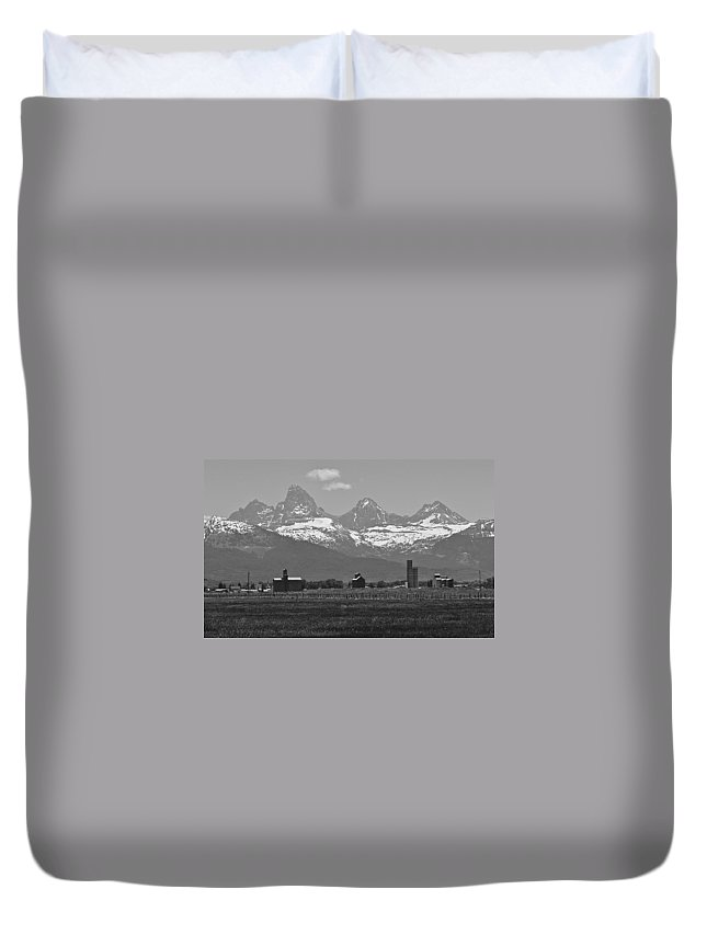 Mountains Duvet Cover featuring the photograph Tetonia Grain Elevators by Eric Tressler