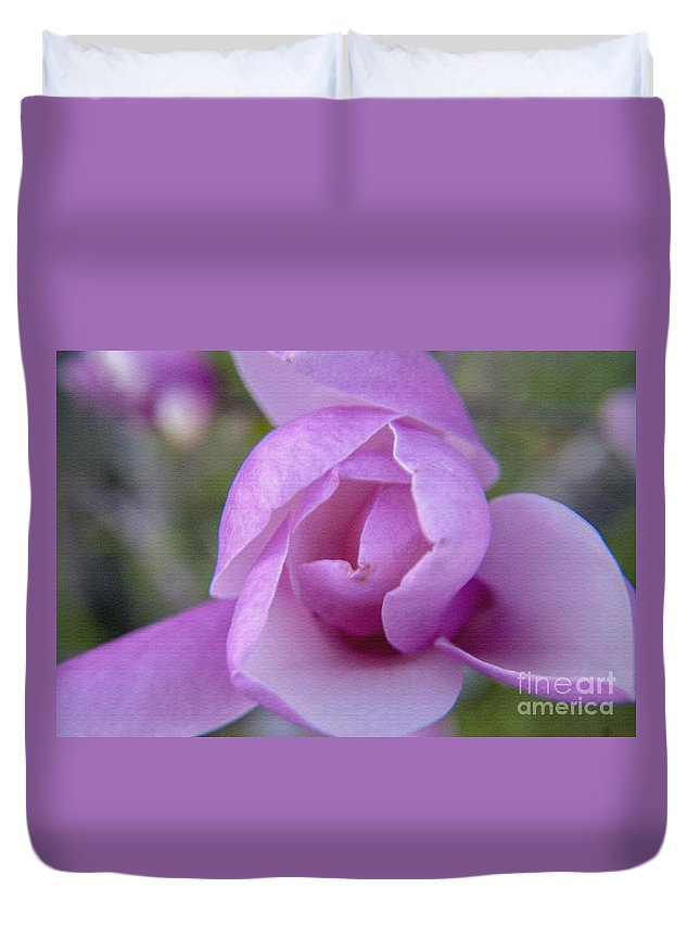 Flower Duvet Cover featuring the photograph Textured Flowerr by Darleen Stry