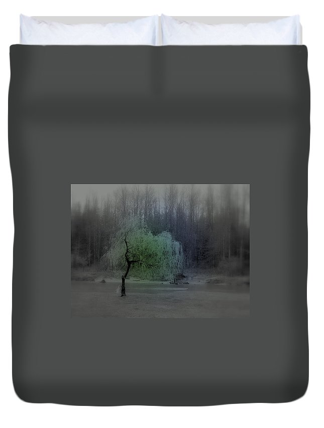 Tree Duvet Cover featuring the photograph The Circle Green - Tree By The River by Kathleen Grace