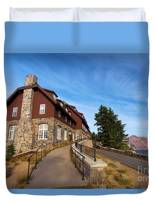 Crater Lake National Park Duvet Cover featuring the photograph The Edge Of The Crater by Adam Jewell