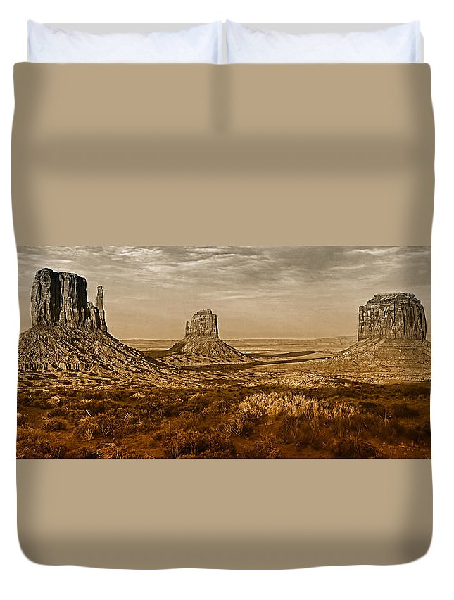 Monument Valley Duvet Cover featuring the photograph The Mittens At Monument Valley by Dave Mills