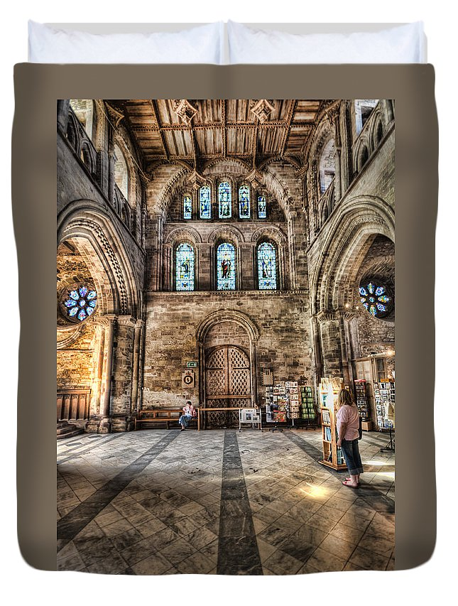 St Davids Cathedral Duvet Cover featuring the photograph The Nave At St Davids Cathedral 5 by Steve Purnell