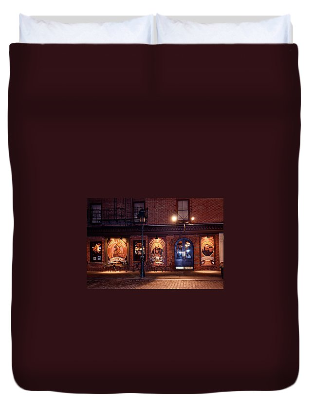 Pub Duvet Cover featuring the photograph The Pub by Terry Wallace