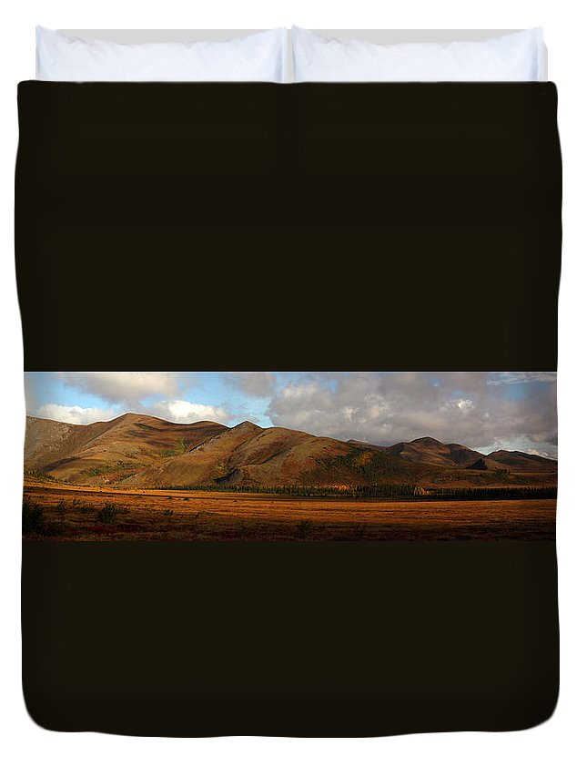 Light Duvet Cover featuring the photograph The Richardson Mountains At The Arctic by Robert Postma