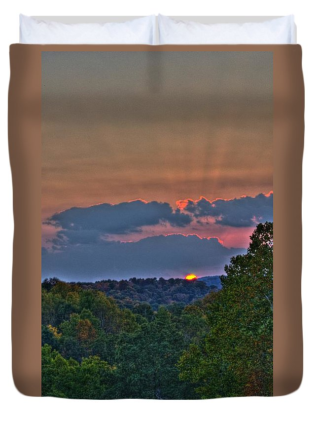 Sun Duvet Cover featuring the photograph The Setting Sun by Shirley Tinkham