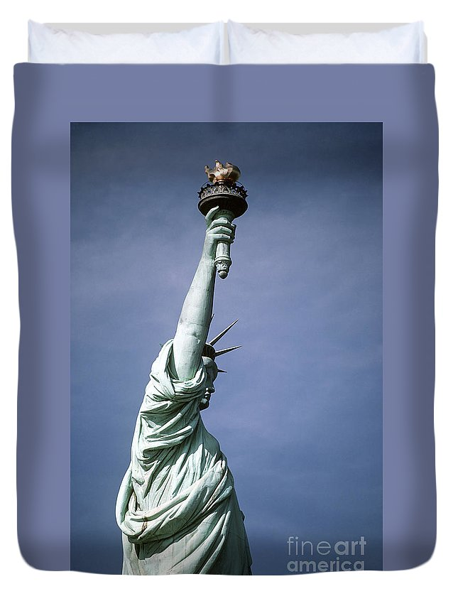 Symbolic Duvet Cover featuring the photograph The Statue Of Liberty by Stocktrek Images